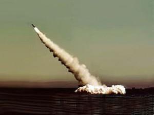 打击侵略势力-潜射洲际弹道导弹