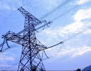 高压电塔和电视塔的旁边不适宜人居住