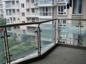 阳台和主卧不要对着尖角