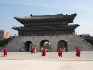 汉城为什么改名首尔?