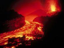 火山喷发的场景
