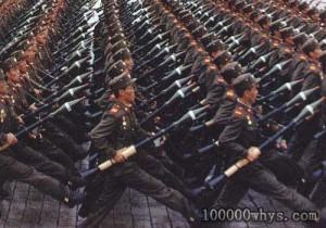 阅兵式中的火箭筒