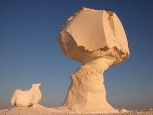 沙漠蘑菇岩石