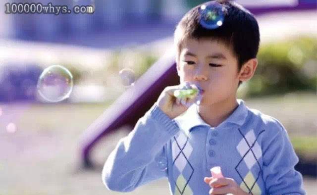 为什么肥皂水能吹出泡泡
