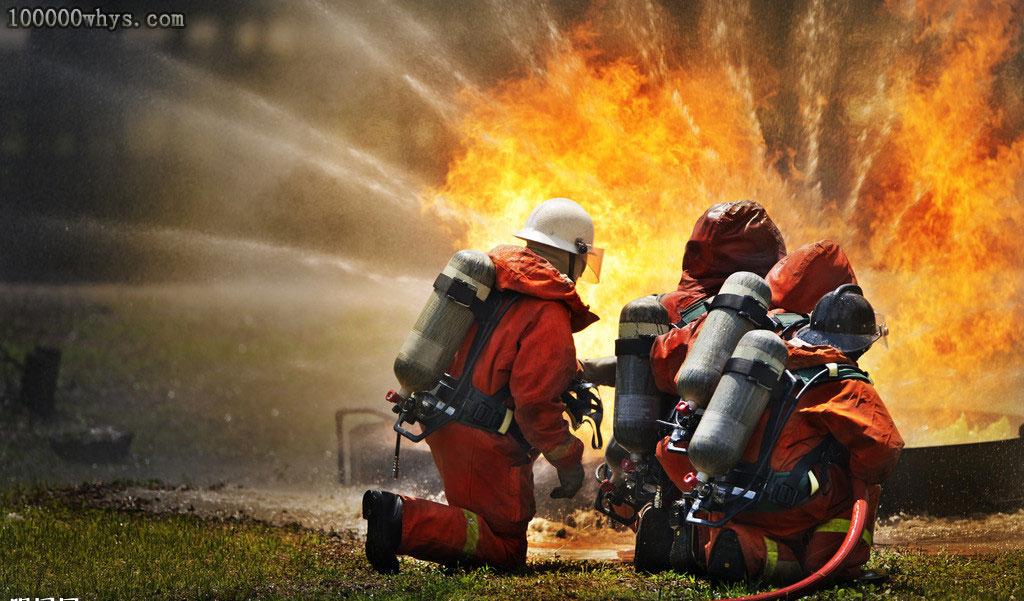 消防员穿的衣服为什么不怕火烧