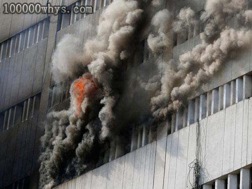 遇到火灾时为什么不要贸然跳楼