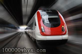 高铁列车不能一路上都全速行驶